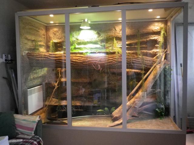 terrarium pour iguane trouvez le meilleur prix sur voir avant d 39 acheter. Black Bedroom Furniture Sets. Home Design Ideas