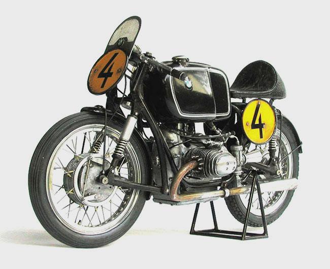 maquette moto ancienne. Black Bedroom Furniture Sets. Home Design Ideas