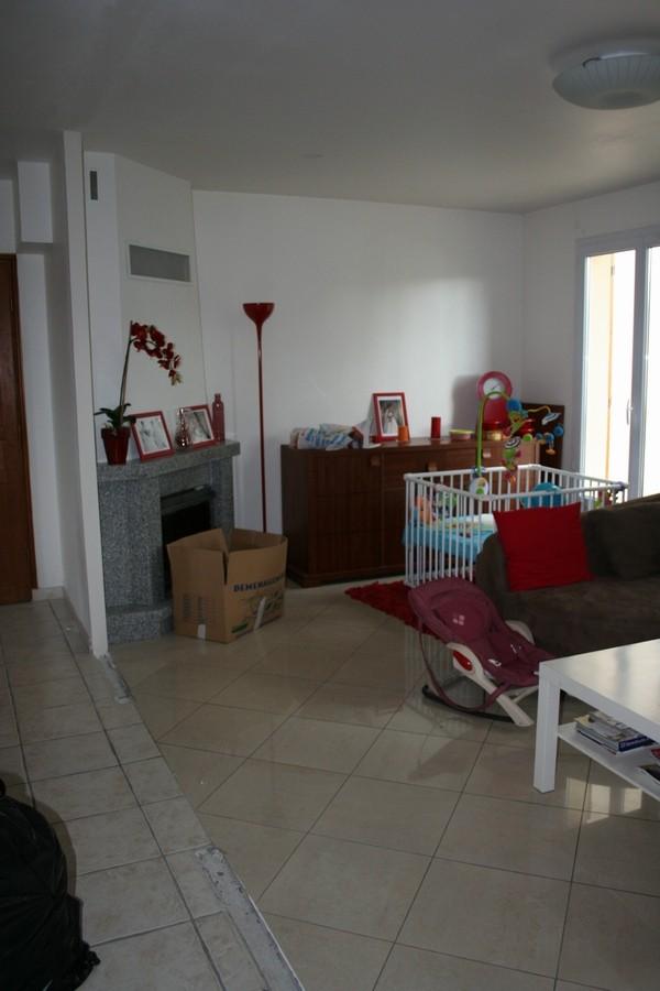 une cuisine dans une autre pi ce possible. Black Bedroom Furniture Sets. Home Design Ideas