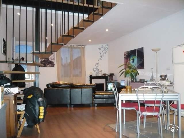 histoire de poutre. Black Bedroom Furniture Sets. Home Design Ideas