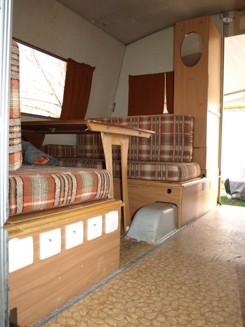 vends caravane record matic 1982. Black Bedroom Furniture Sets. Home Design Ideas