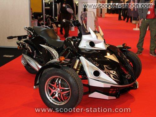 roadbike max 300 une bien p le copie du can am spyder. Black Bedroom Furniture Sets. Home Design Ideas