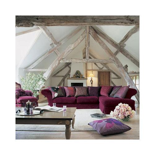 Peinture salon couleur prune meubles laqu blanc et tapis - Mur couleur prune ...