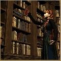 Eine Frau vor einem Bücherregal