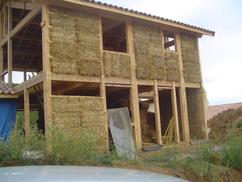 Fowleil et sa maison en paille for Maisons en paille
