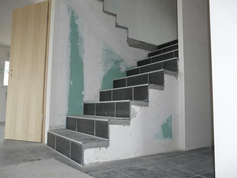 Couleurs murs espace vivre - Idee deco montee trap ...