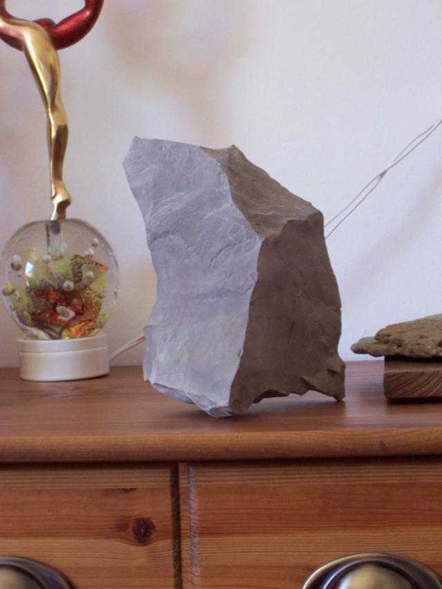 astuces pour fixer une pierre sur son socle. Black Bedroom Furniture Sets. Home Design Ideas