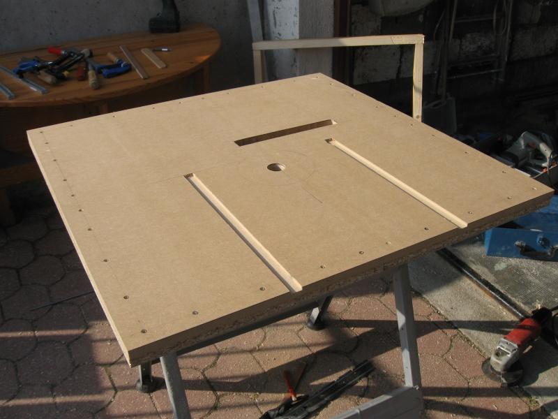 table de sciage d foncage. Black Bedroom Furniture Sets. Home Design Ideas