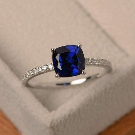 كل ما هو أزرق جميل